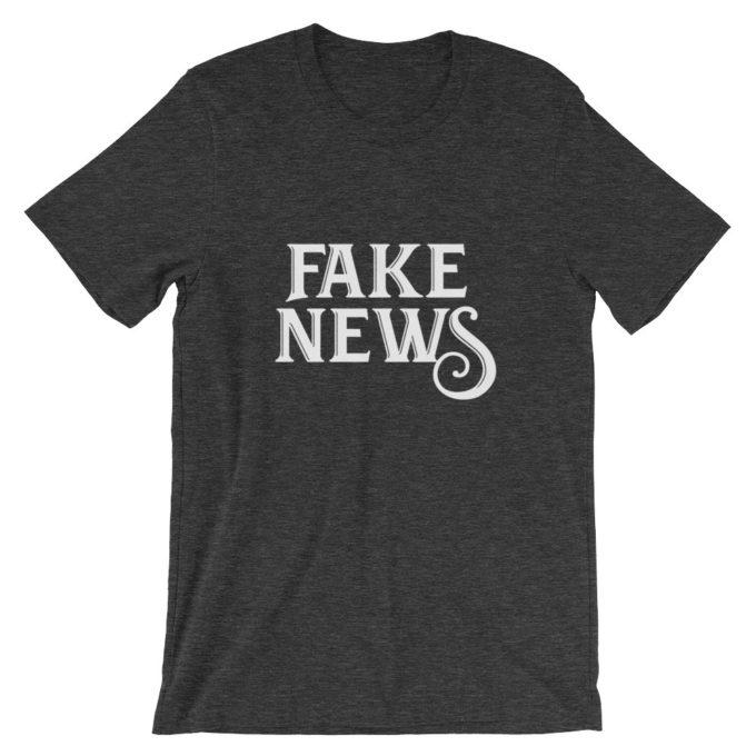 Fake News dark heather T-Shirt